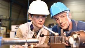 Embaucher un apprenti : les avantages et les inconvénients pour l'entreprise.