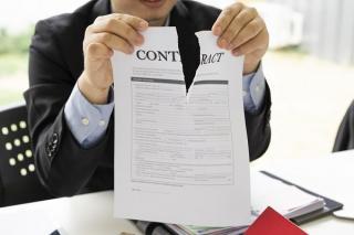 Contrat dechiré
