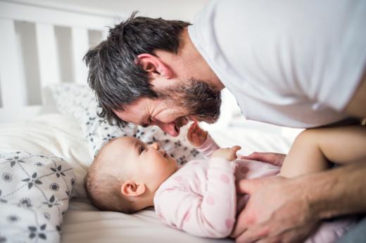 A quand un congé de paternité plus long en cas d'accouchement prématuré ou d'hospitalisation du nouveau-né ?