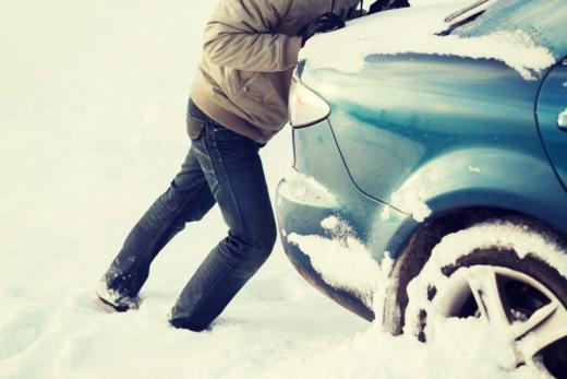 Chutes de neige : retards, absences au travail, salaire, quels sont vos droits ?