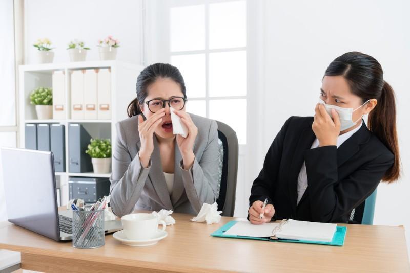 Venir malade au travail:  les salariés français adeptes du surprésentéisme !